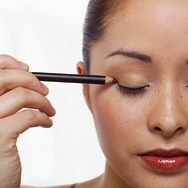 Using the Right Eye Shadow